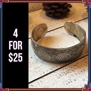 Jewelry - 4 FOR $25 🎁🎄🍾🥂Tibetan Fish Bangle Bracelet